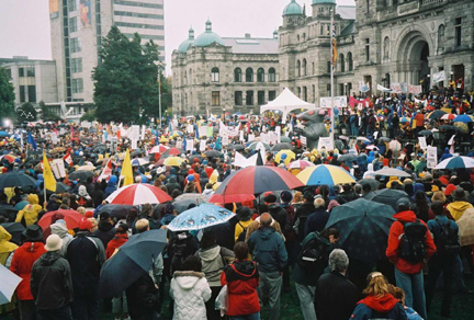 Over 20,000 teachers and supporters rally in Victoria.
